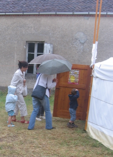parapluie17juillet2rogné.JPG
